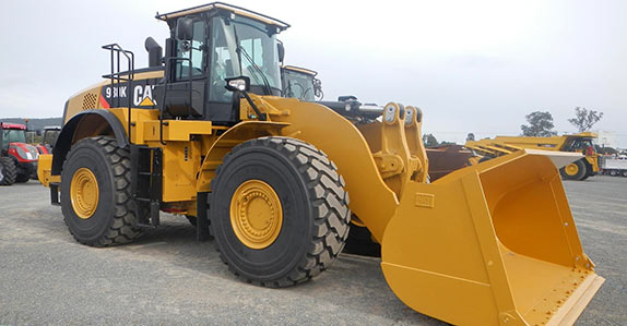 This Caterpillar 980K wheel loader sold for AU$520,000
